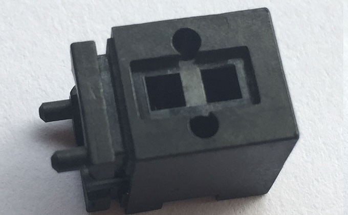 注塑加工件-电磁阀